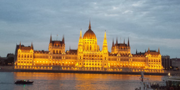 parliament hungary budapest sightseeing trip travel europe